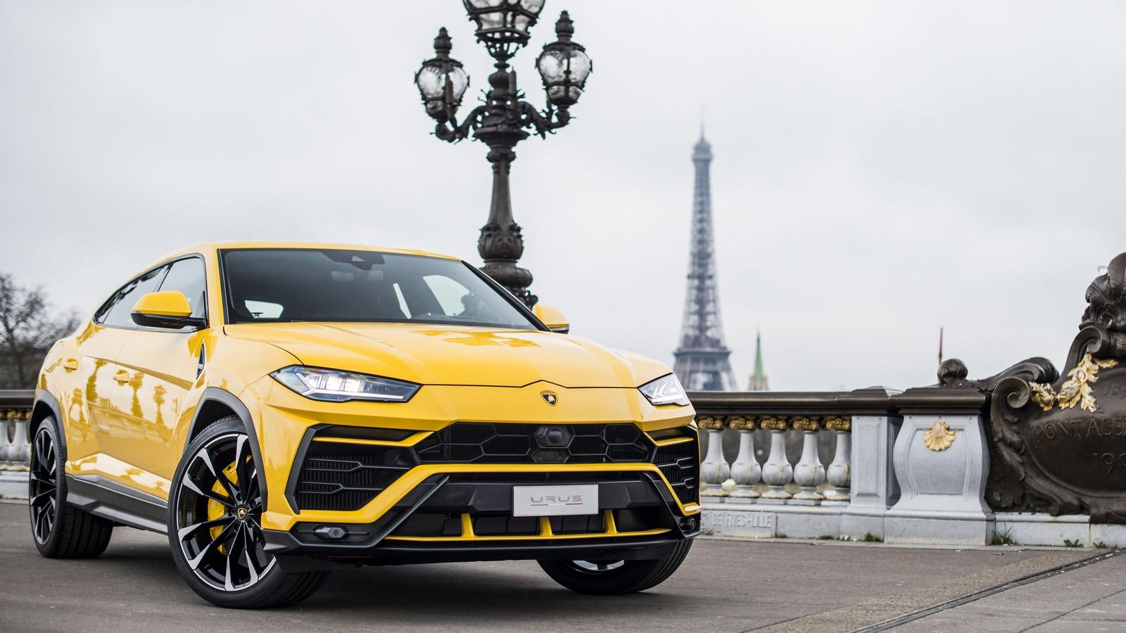 На фото: Lamborghini Urus