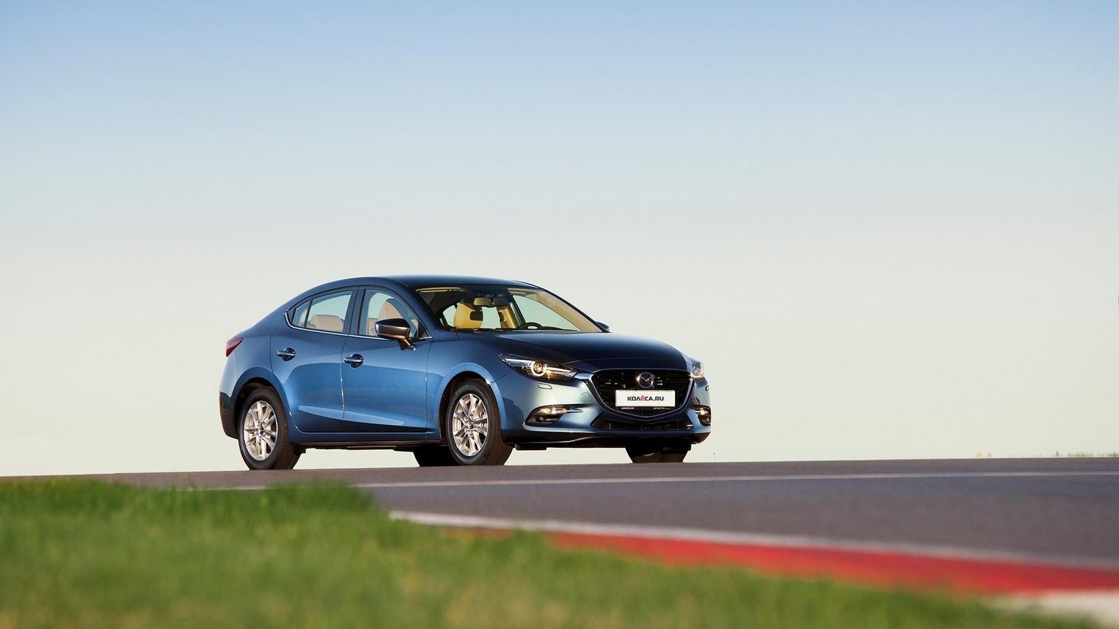 Mazda3_IPM_still_003