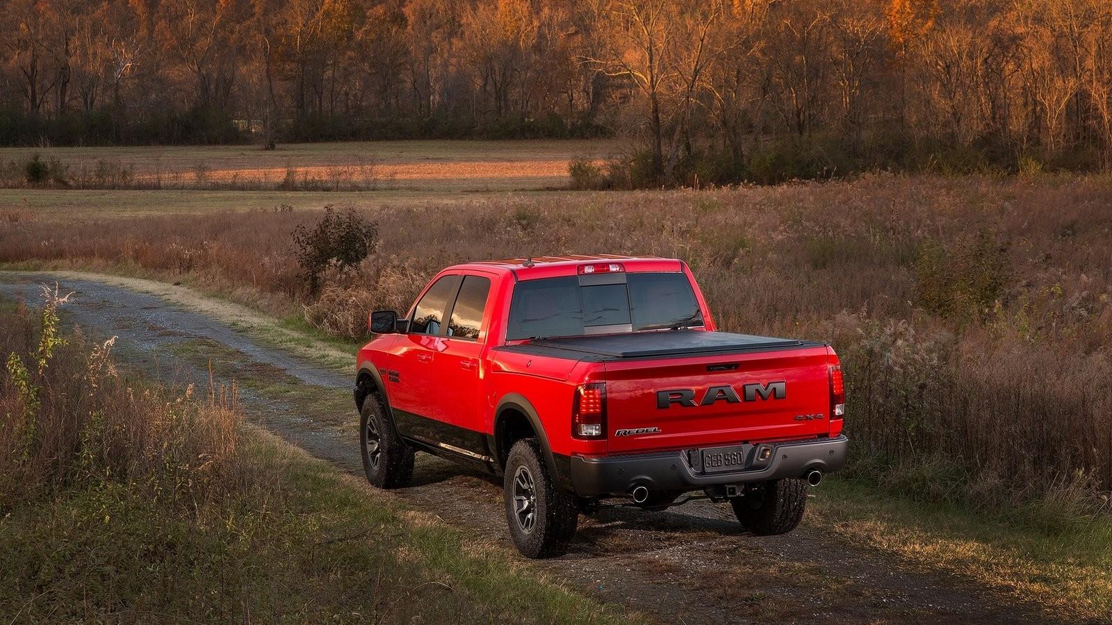 Dodge-Ram_1500_Rebel-2015-1600-0f