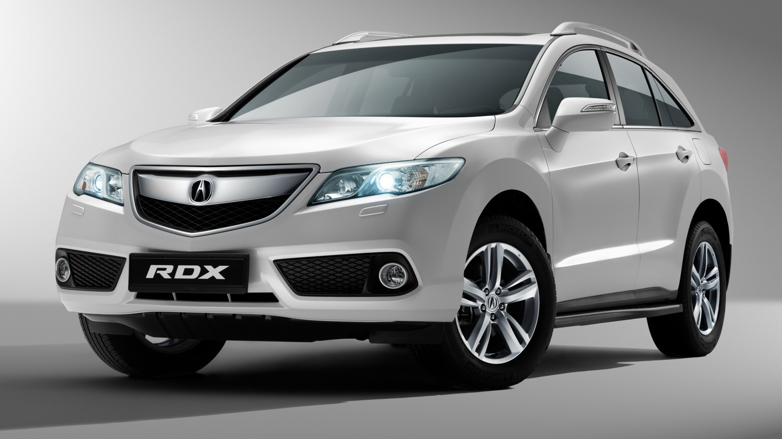 На фото: Acura RDX