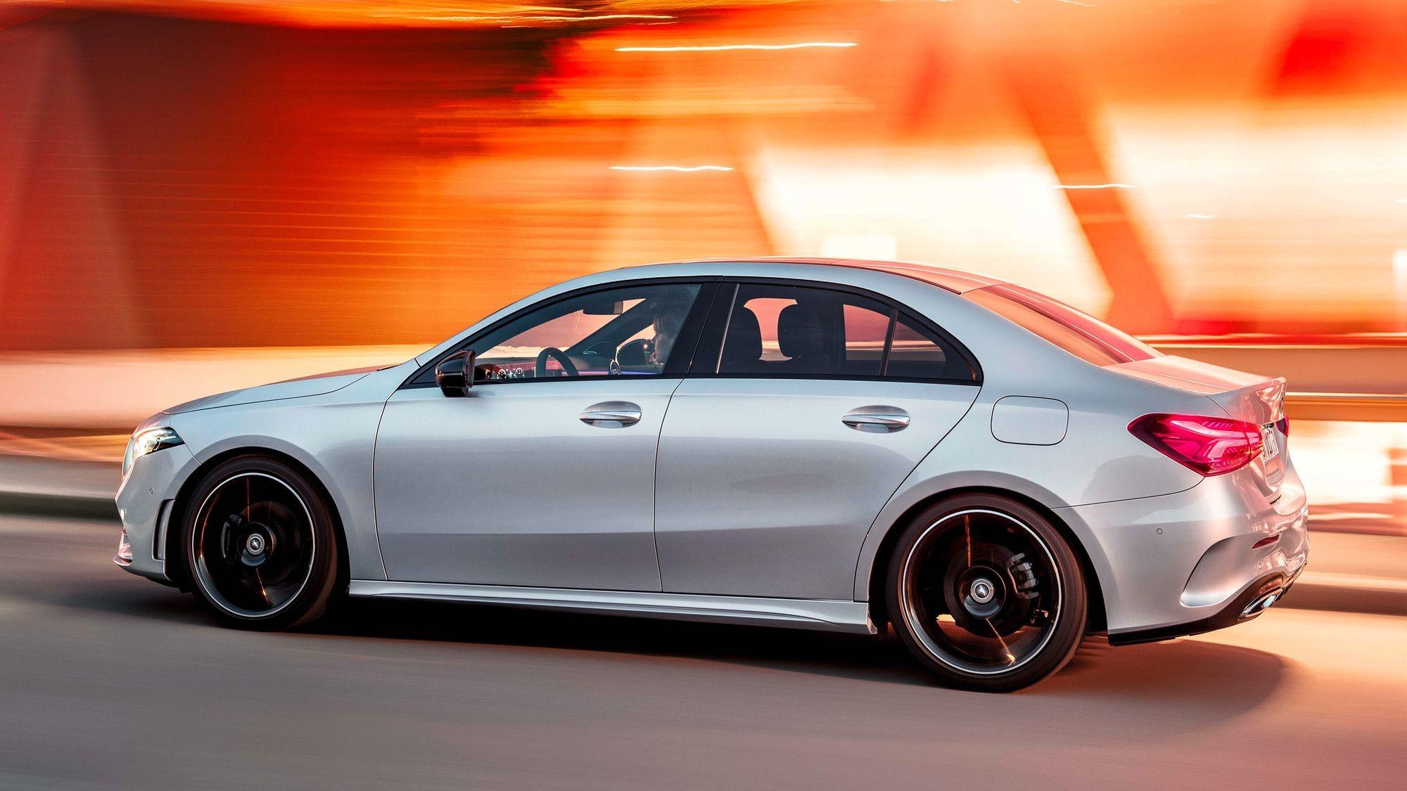 Мокрое дело: в России отзывают текущие Mercedes-Benz А-Class