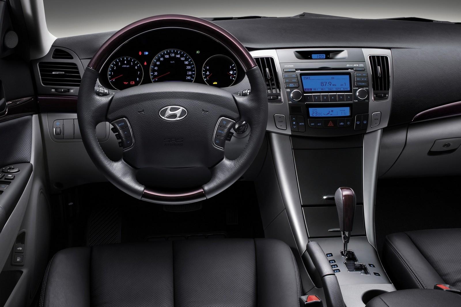 Торпедо Hyundai Sonata (NF) '11.2007–09.2009