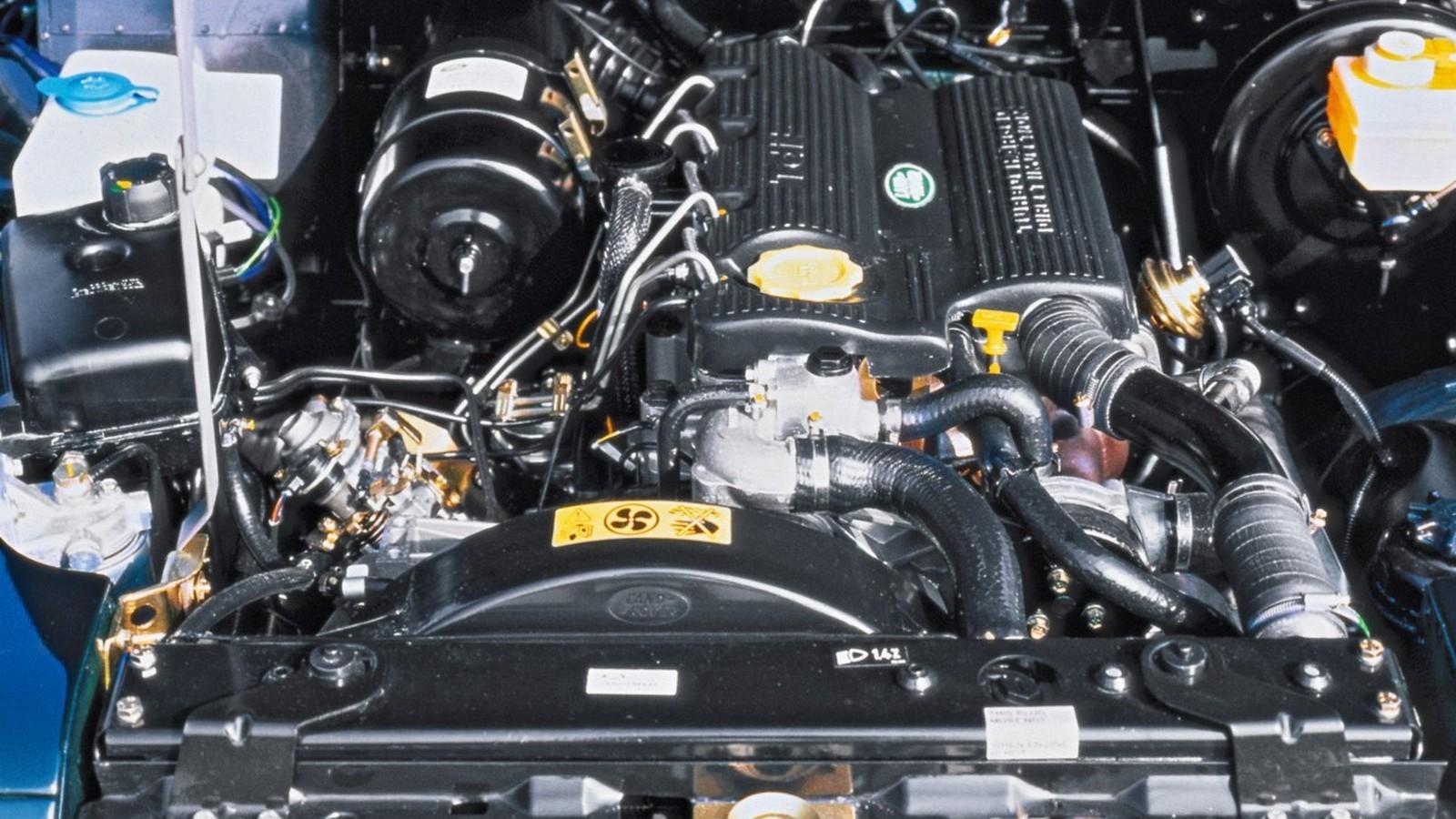 Под капотом Land Rover Defender 110 Station Wagon Worldwide '1990–2007