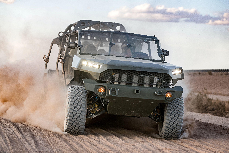 Пикап Chevrolet Colorado ZR2 превратился в армейский автомобиль на 9 бойцов