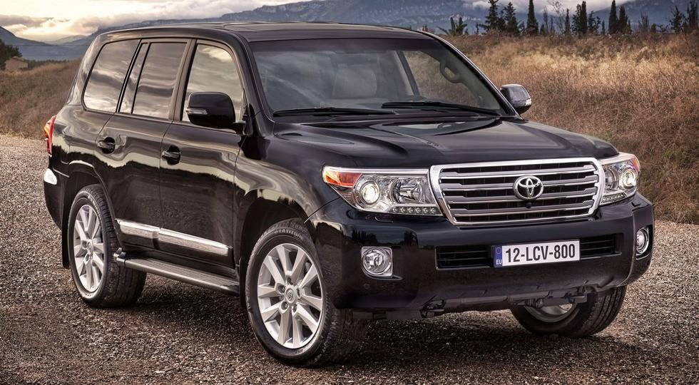 На фото: Toyota Land Cruiser 200'2015
