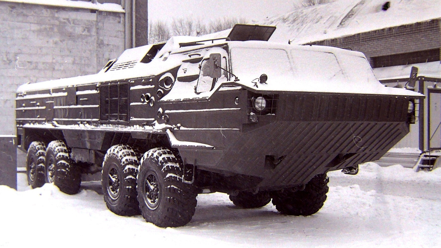 Демилитаризованная ТЗМ 9Т230 на аукционе военной техники в Москве (фото автора)