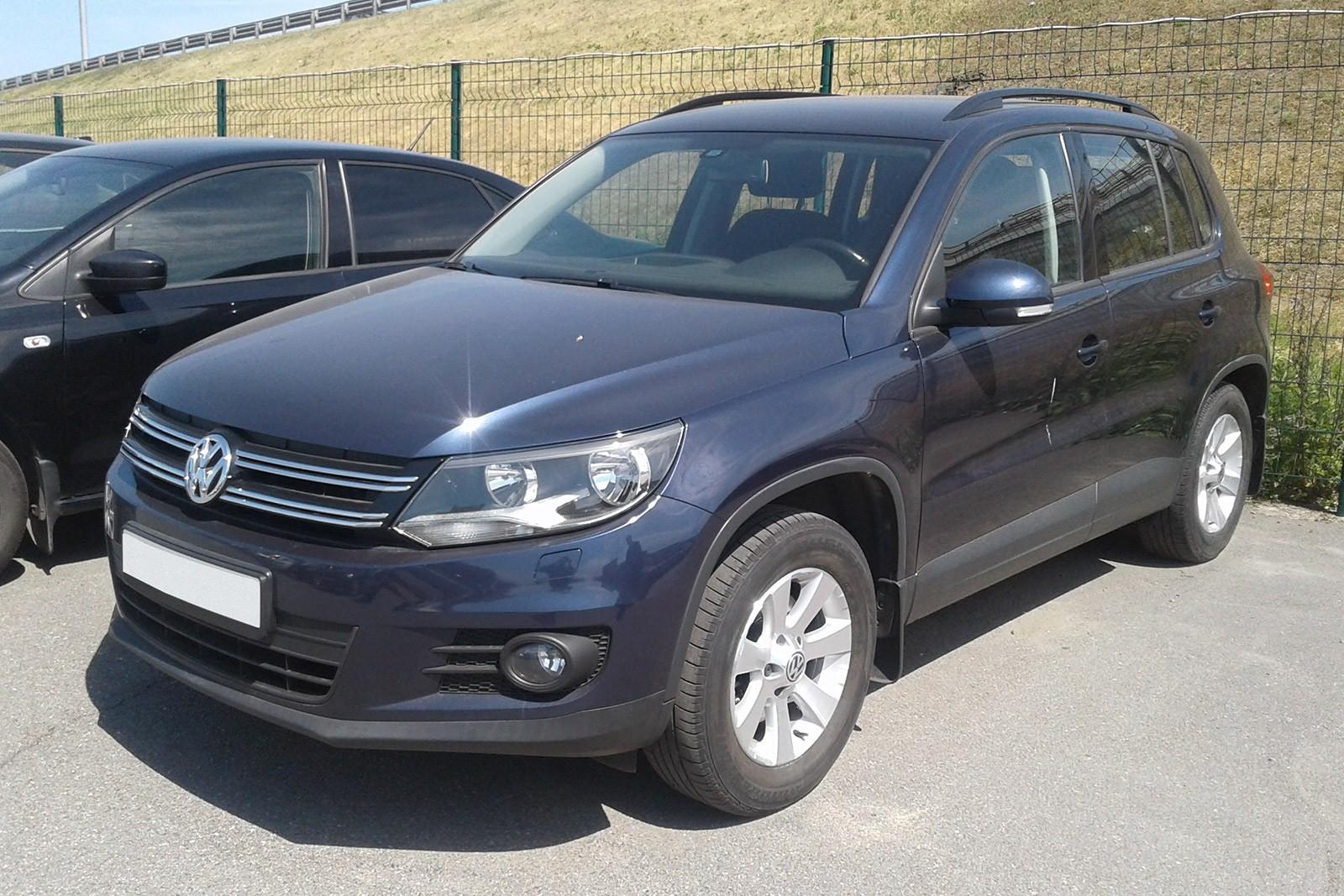 Volkswagen Tiguan черный 3