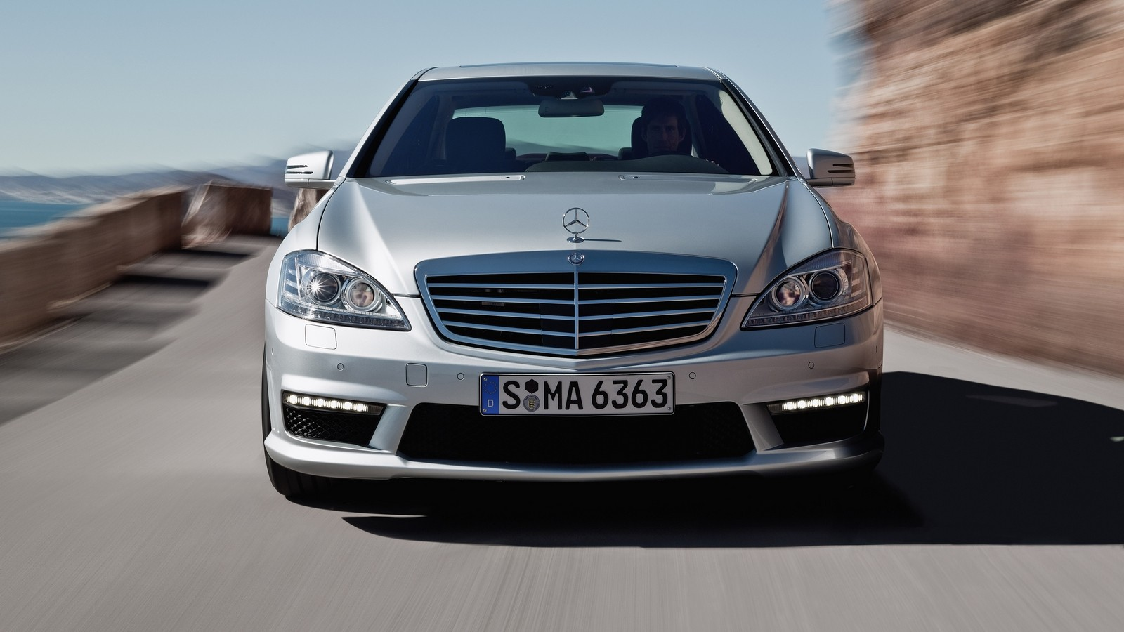 На фото: Mercedes-Benz S 63 AMG (W221) '2009–10