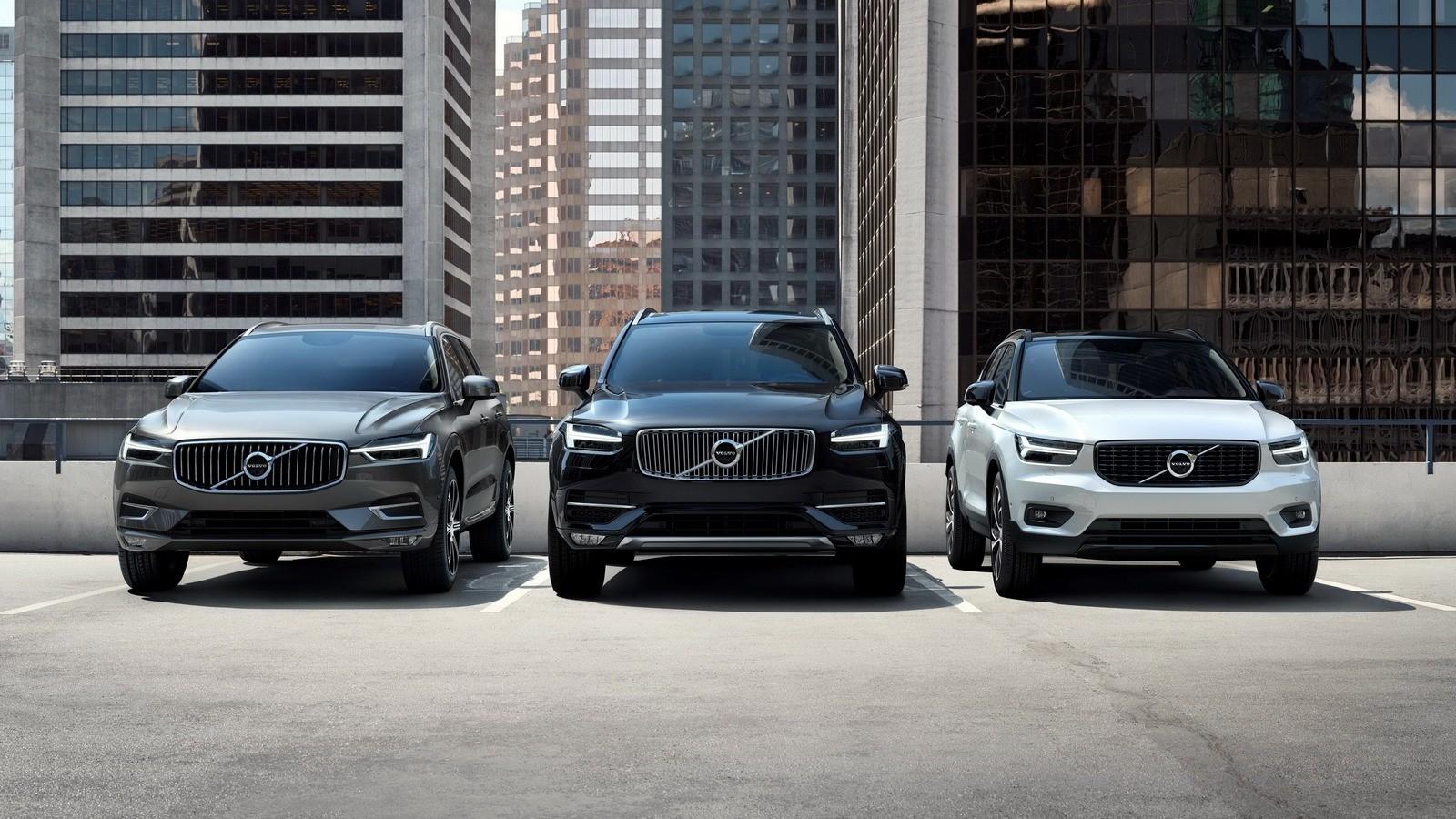 На фото: Volvo XC90, Volvo XC60, Volvo XC40