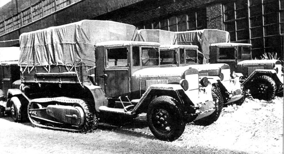 Готовые автомобили ЗИС-42 с упрощенными кузовами