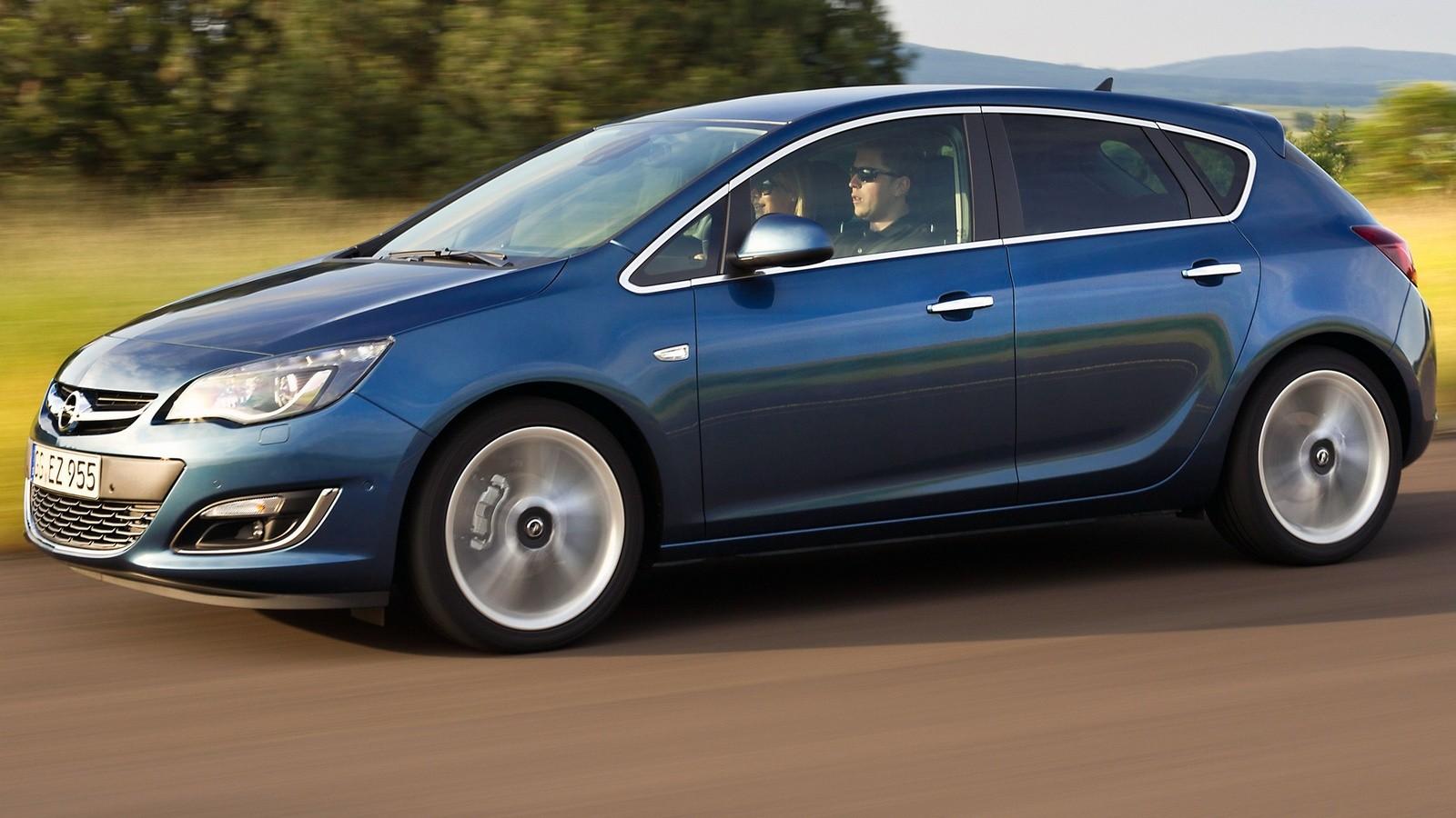 На фото: Opel Astra (J) '2012–15