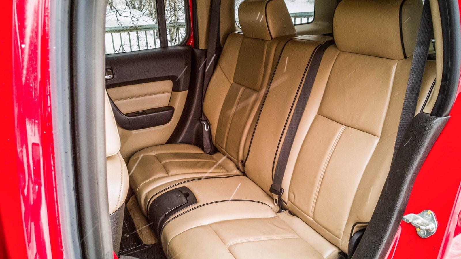 Hummer H3 задние сидения