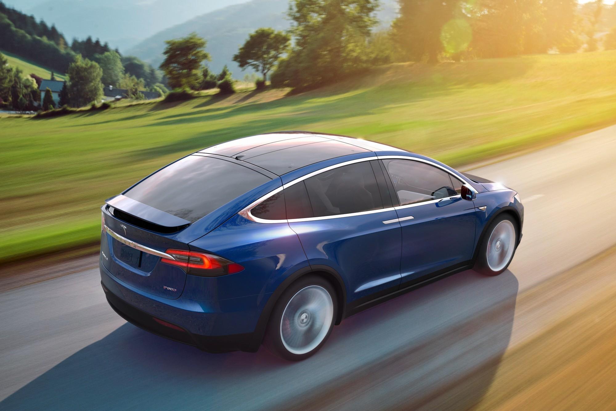 Tesla загрузит «полный автопилот» лучшим клиентам уже на следующей неделе