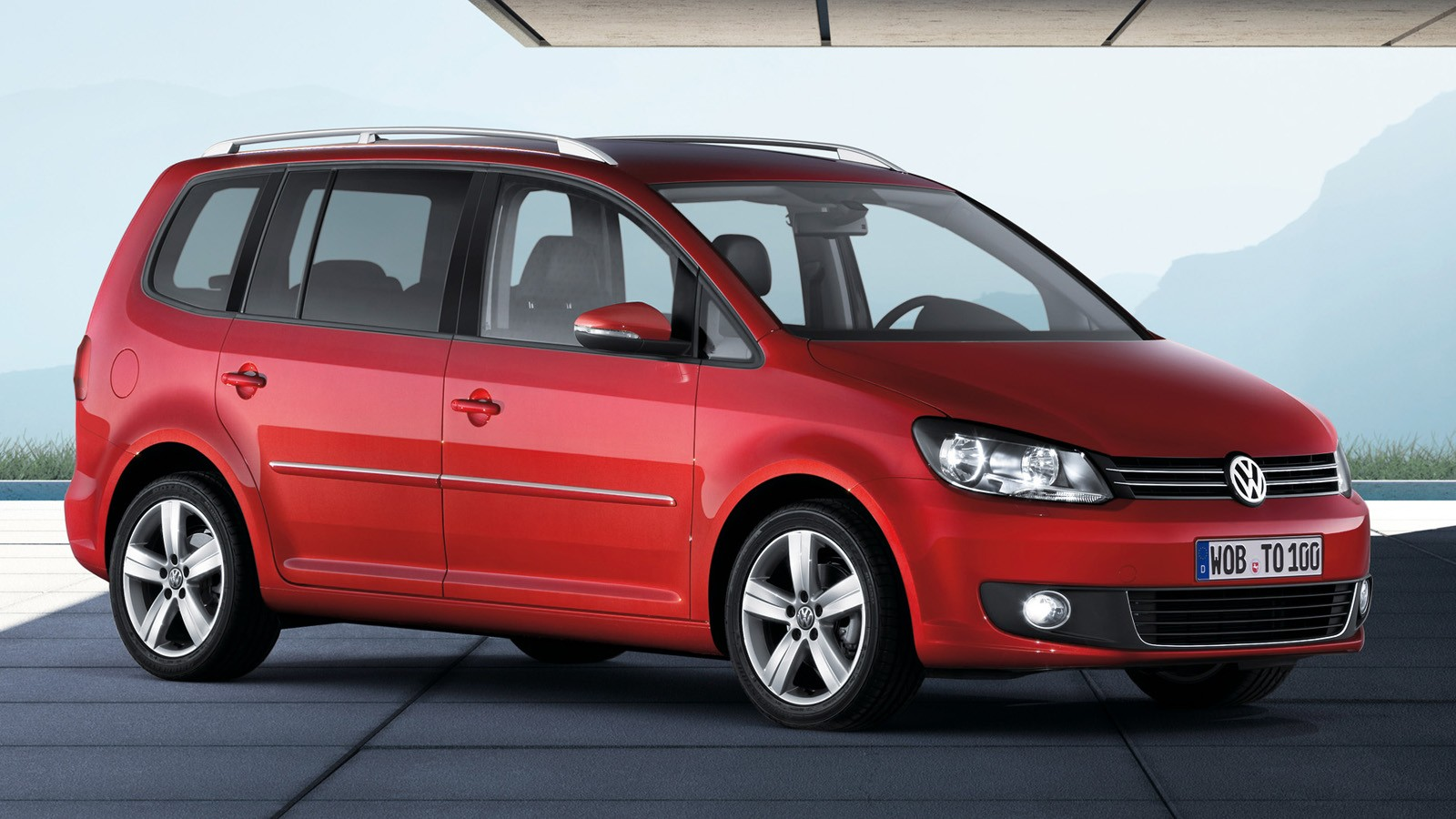 На фото: Volkswagen Touran