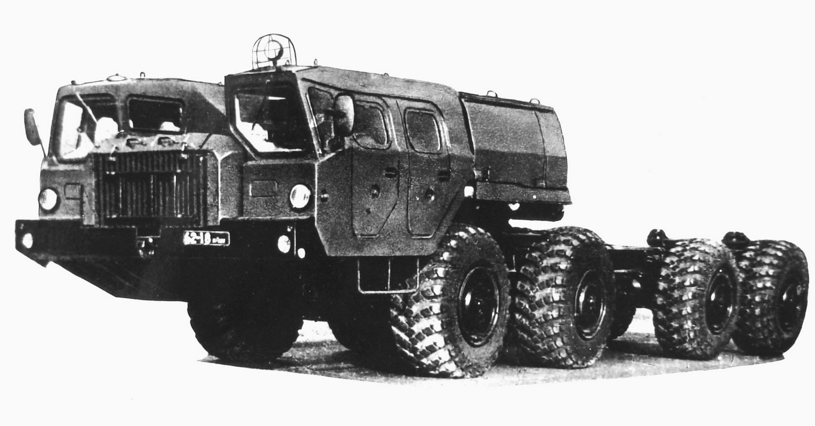 Шасси МАЗ-79112 для транспортно-заряжающей машины комплекса «Смерч»