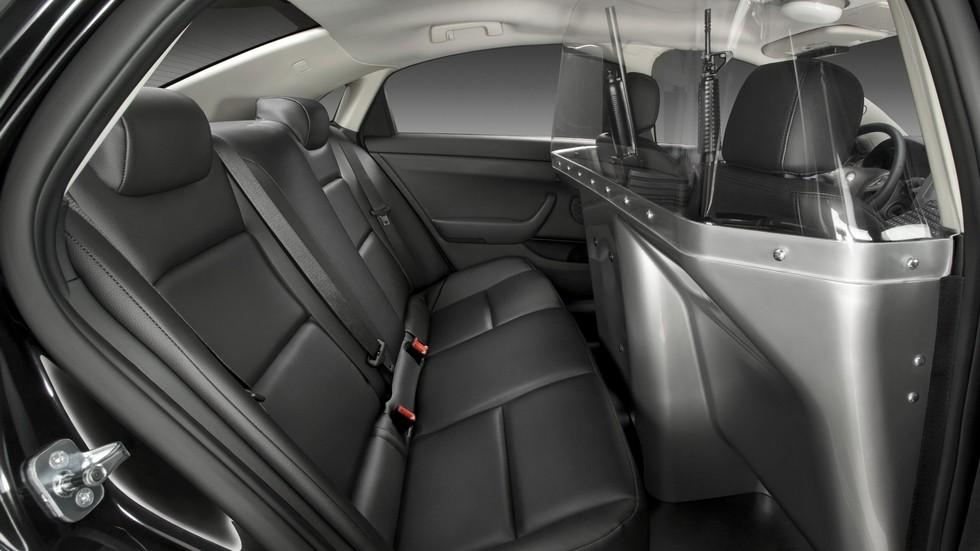 2010 chevrolet caprice задние сидения патрульного автомобиля