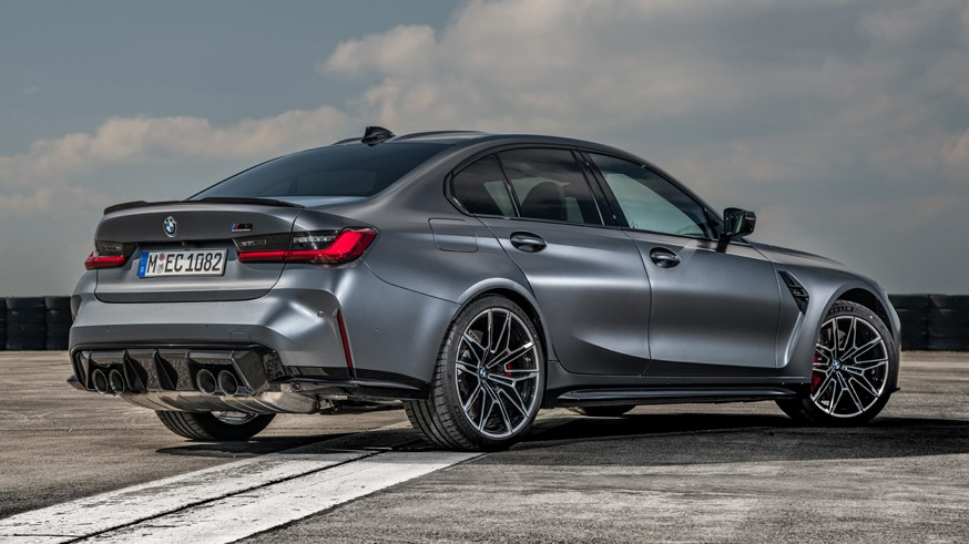 BMW готовится к презентации M3 Touring: новое изображение универсала