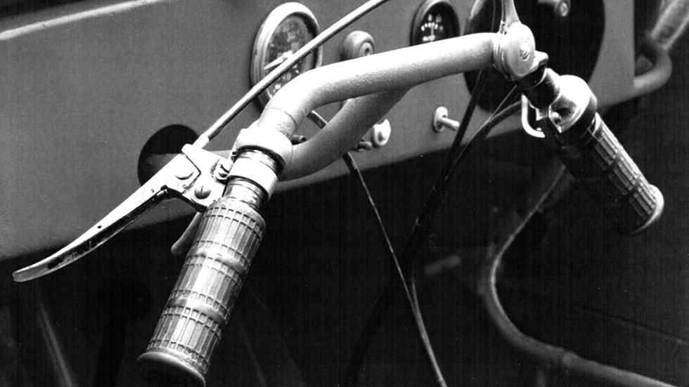 Рулевое управление мотоциклетного типа мотоколяски С-1Л