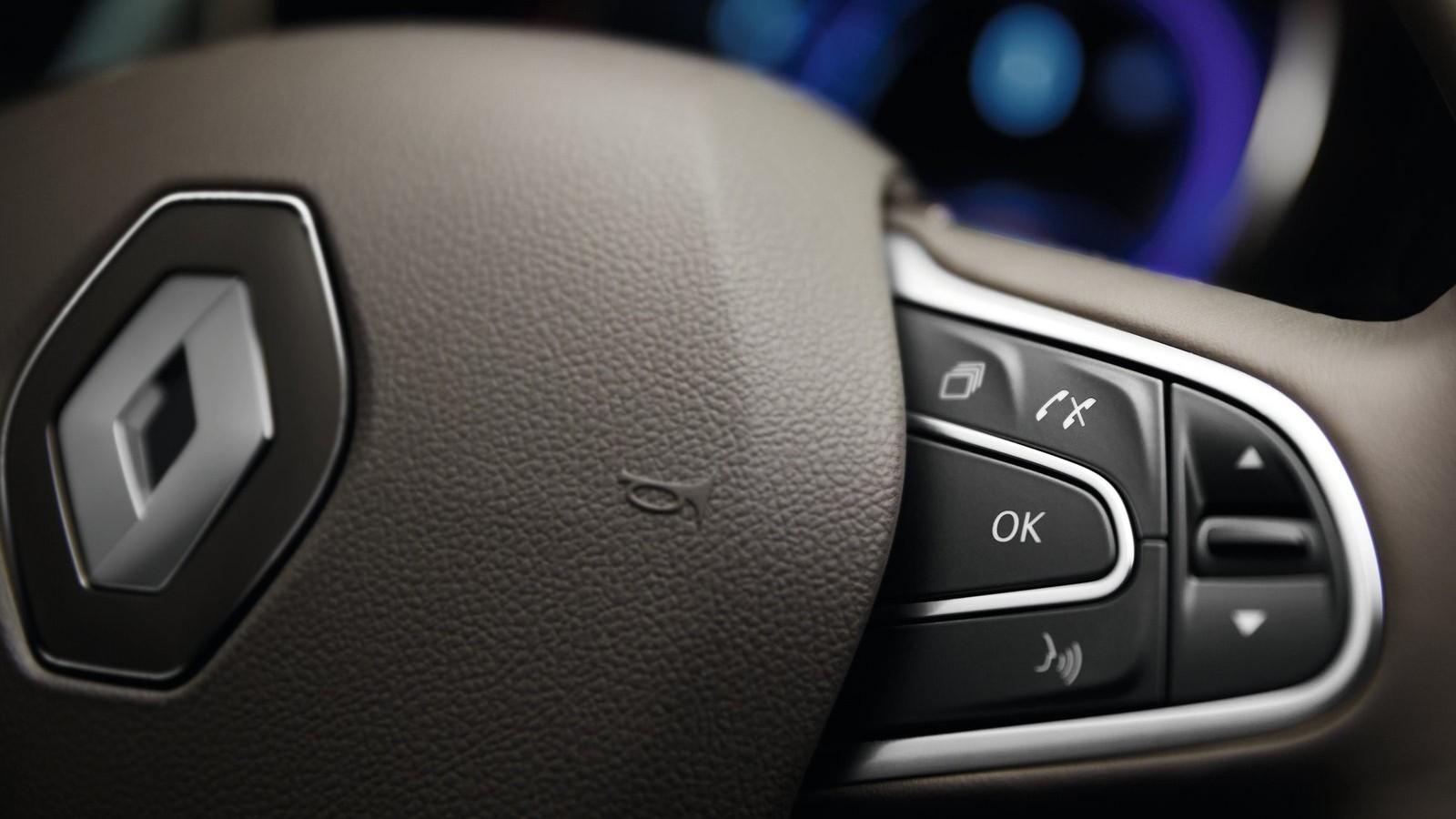 Renault-Espace-2015-1600-23