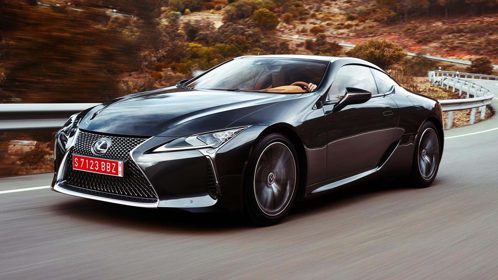 На фото: Lexus LC500