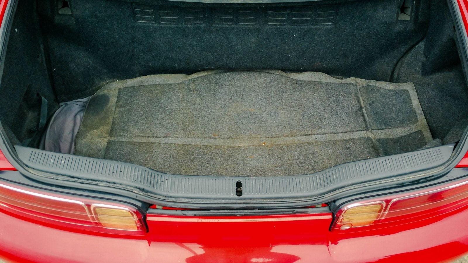 Toyota Soarer багажник