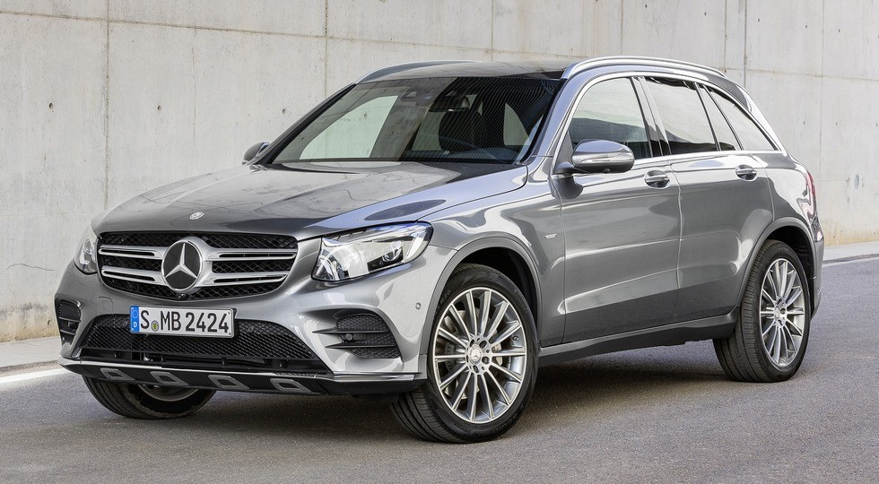 На фото: Mercedes-Benz GLC-Class