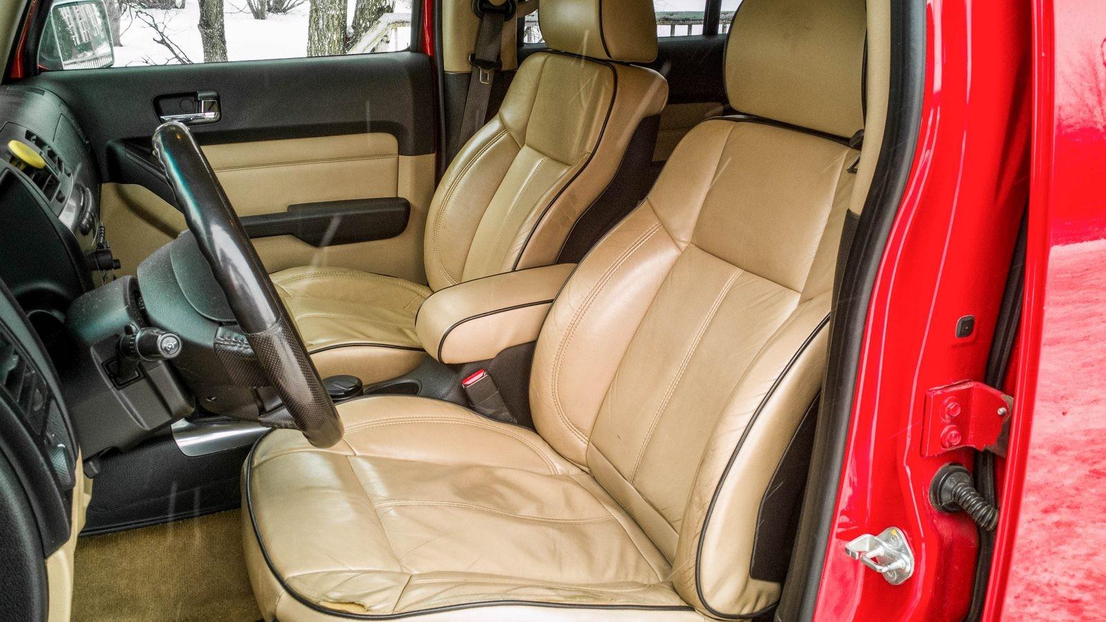 Hummer H3 передние сидения