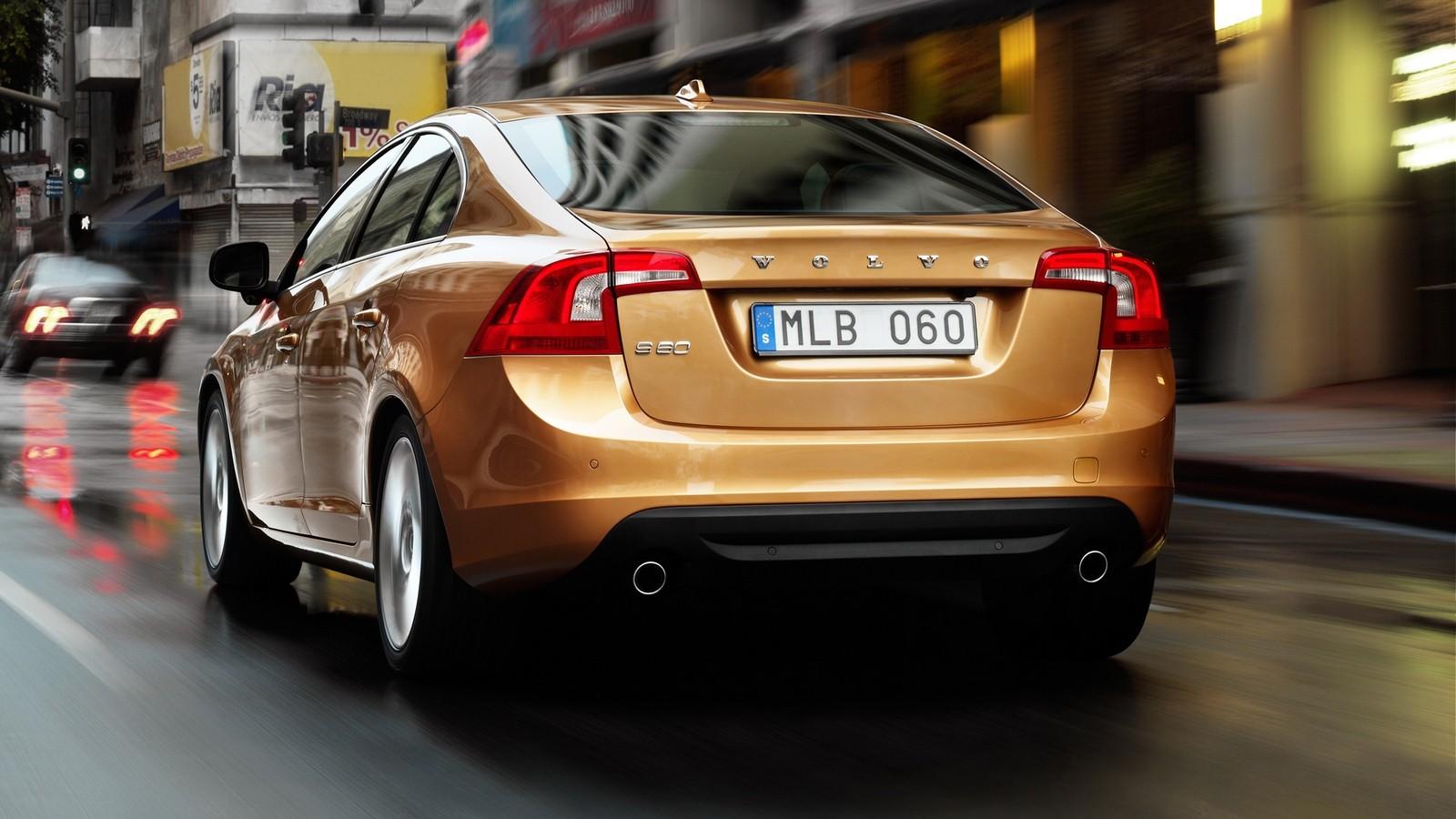 На фото: Volvo S60 '2010–13
