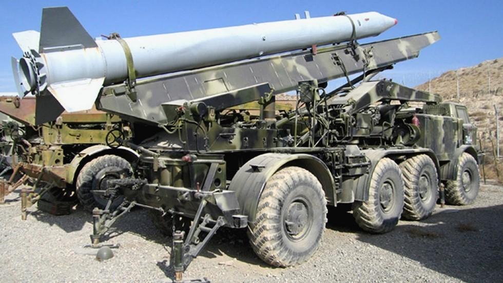 Боевая машина 9П113ТС тропического комплекса 9К52ТС (из архива автора)