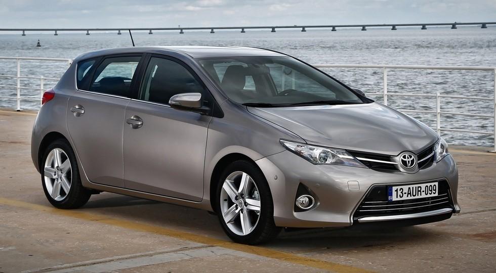 На фото: Toyota Auris'2012–15