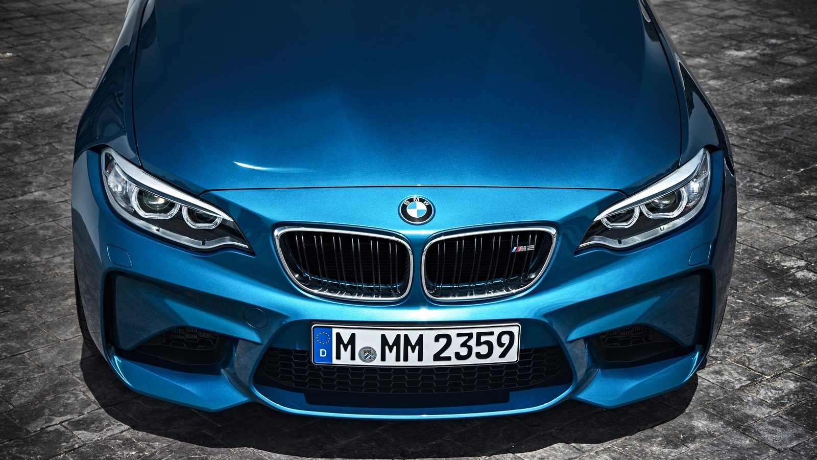 P90199702_highRes_the-new-bmw-m2-coupe