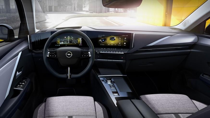 Opel Astra в новом поколении разделила технику с родственным Peugeot 308