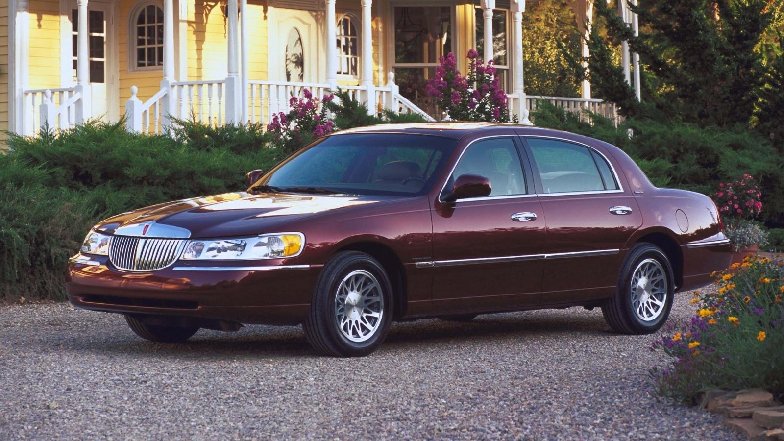 1998–2002 Lincoln Town Car