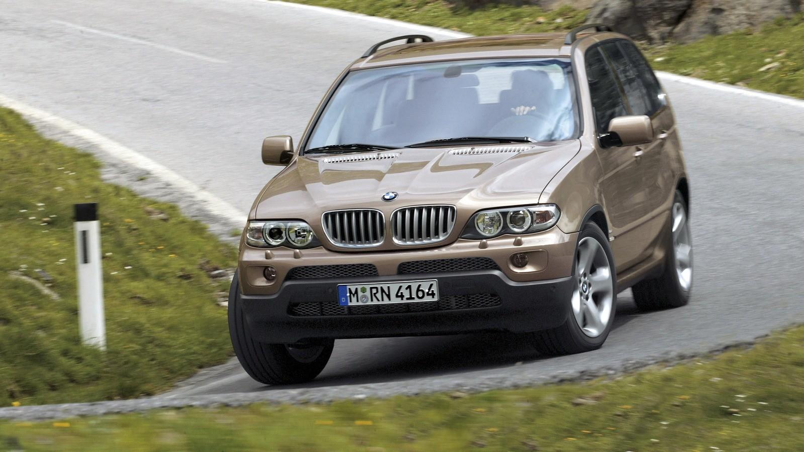 BMW X5 (E53) в движении