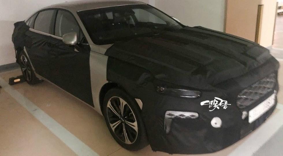 Замену Kia Cadenza снова показали на фото. Кое-что седан мог перенять у конкурента от Hyundai