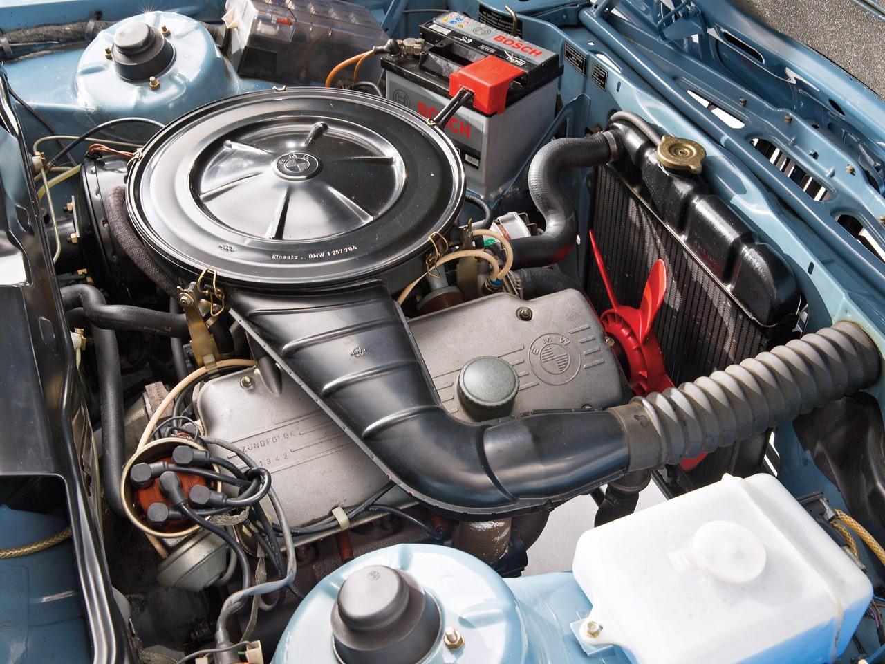 Трёшка бьет шестёрку: сравниваем ВАЗ-2106 и BMW 3 series E21