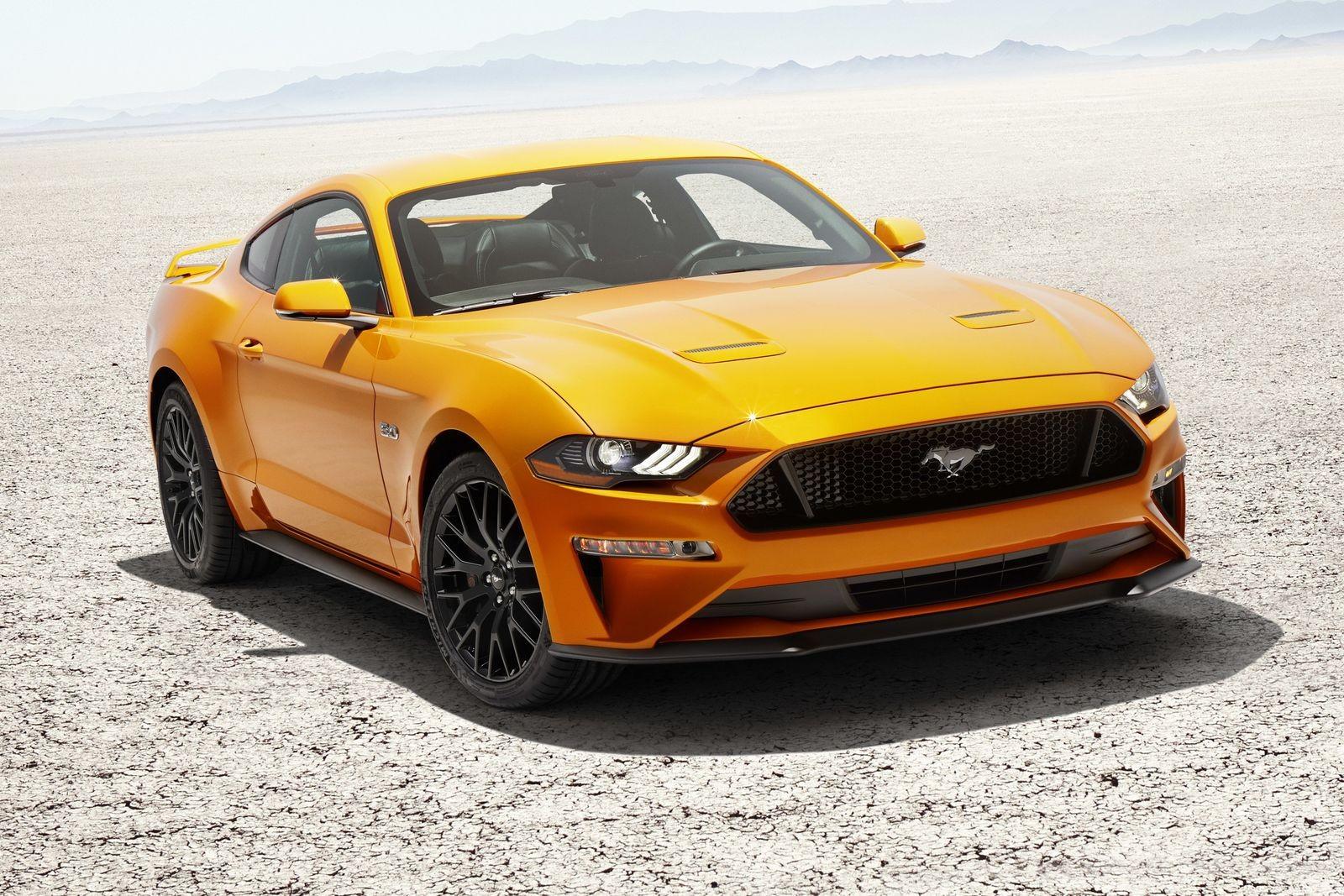 Ford уже несколько лет обещает привезти в Россию Mustang, но люди устали ждать и везут машины сами.