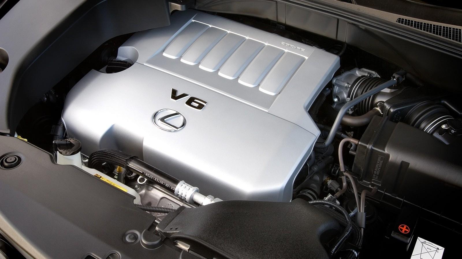 На фото: Под капотом Lexus RX 350 '2006–09