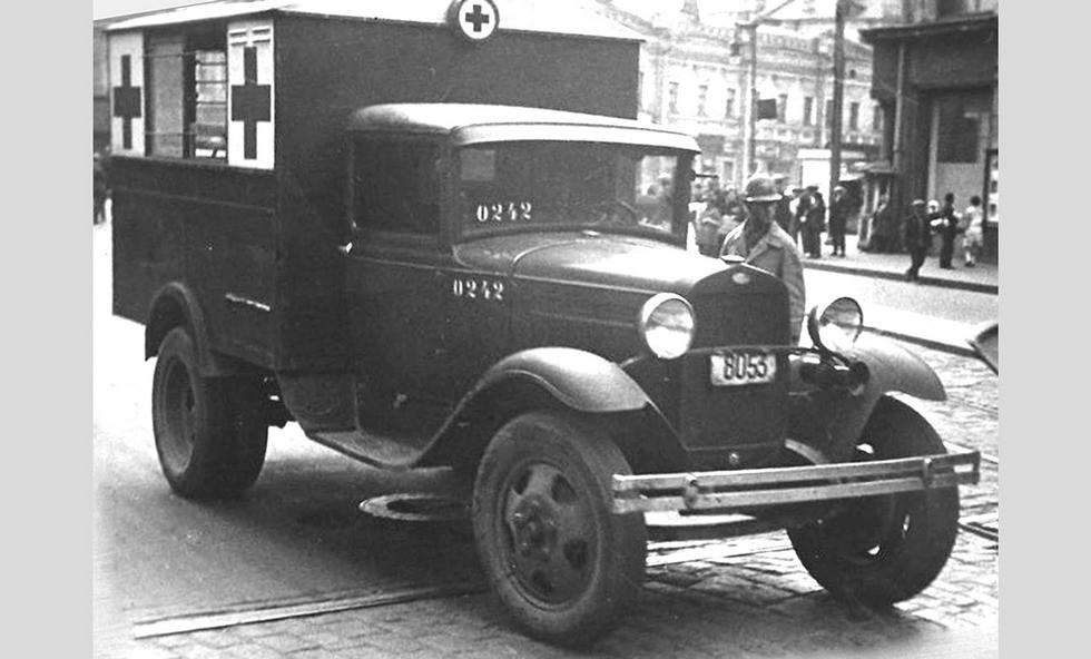 Многоцелевая санитарная машина с деревометаллическим кузовом образца 1932 года