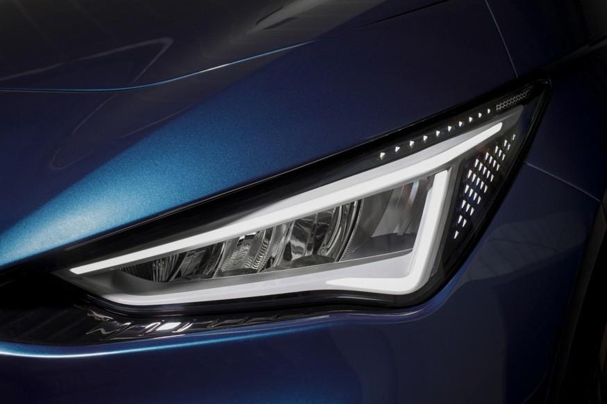 «Брат» Volkswagen ID.3: серийный хэтчбек Cupra Born показался на новых фото