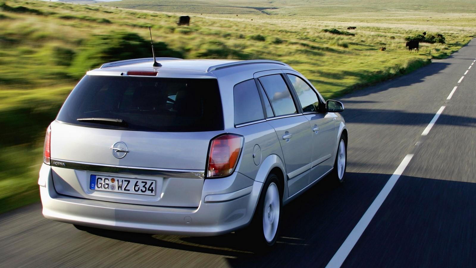 На фото: Opel Astra Caravan (H) '2004–07