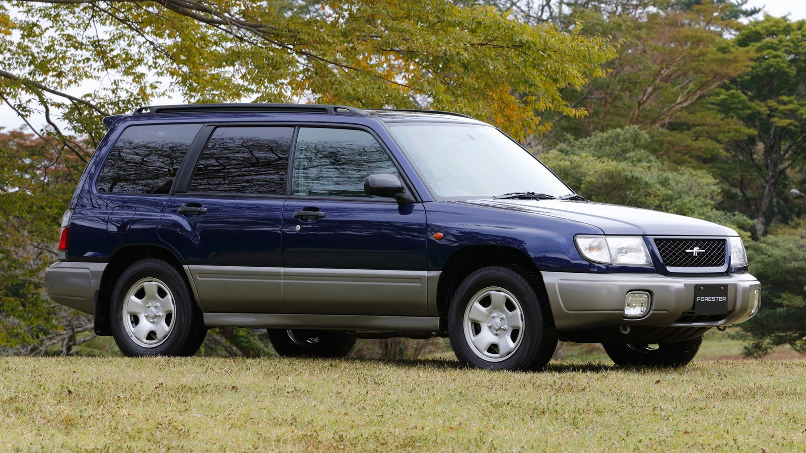 На фото: Subaru Forester (SF) '1997–2000
