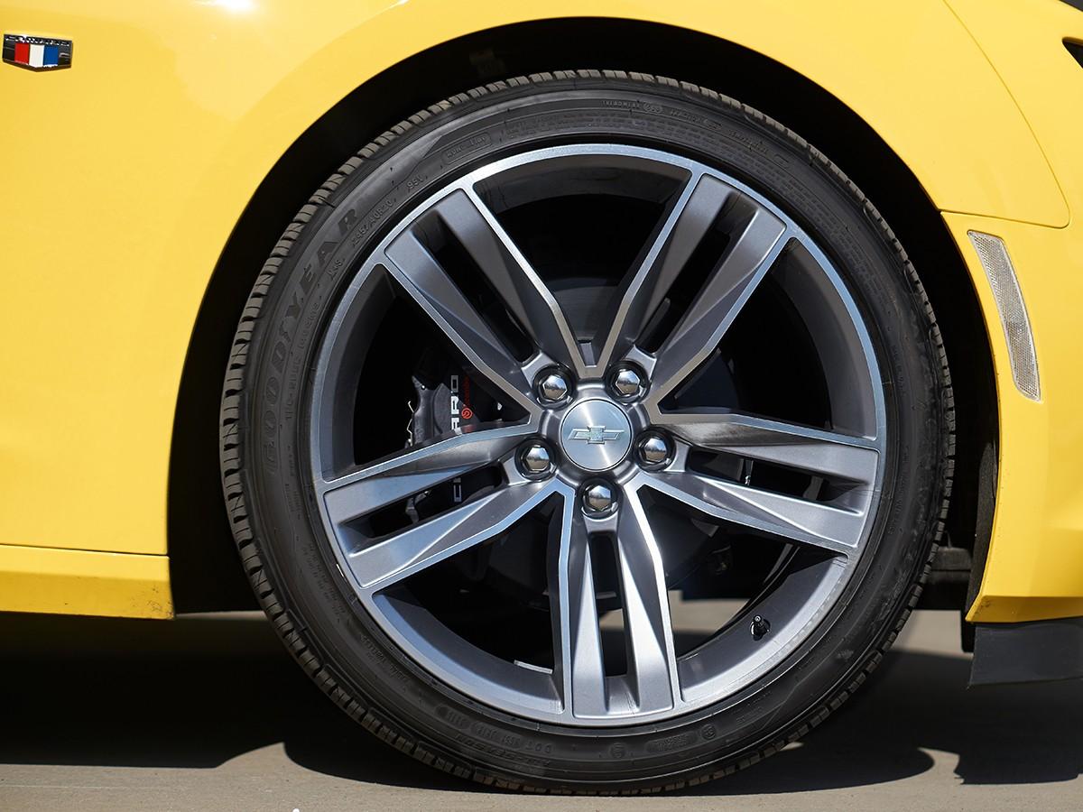 Chevrolet-Camaro-Performance-304633