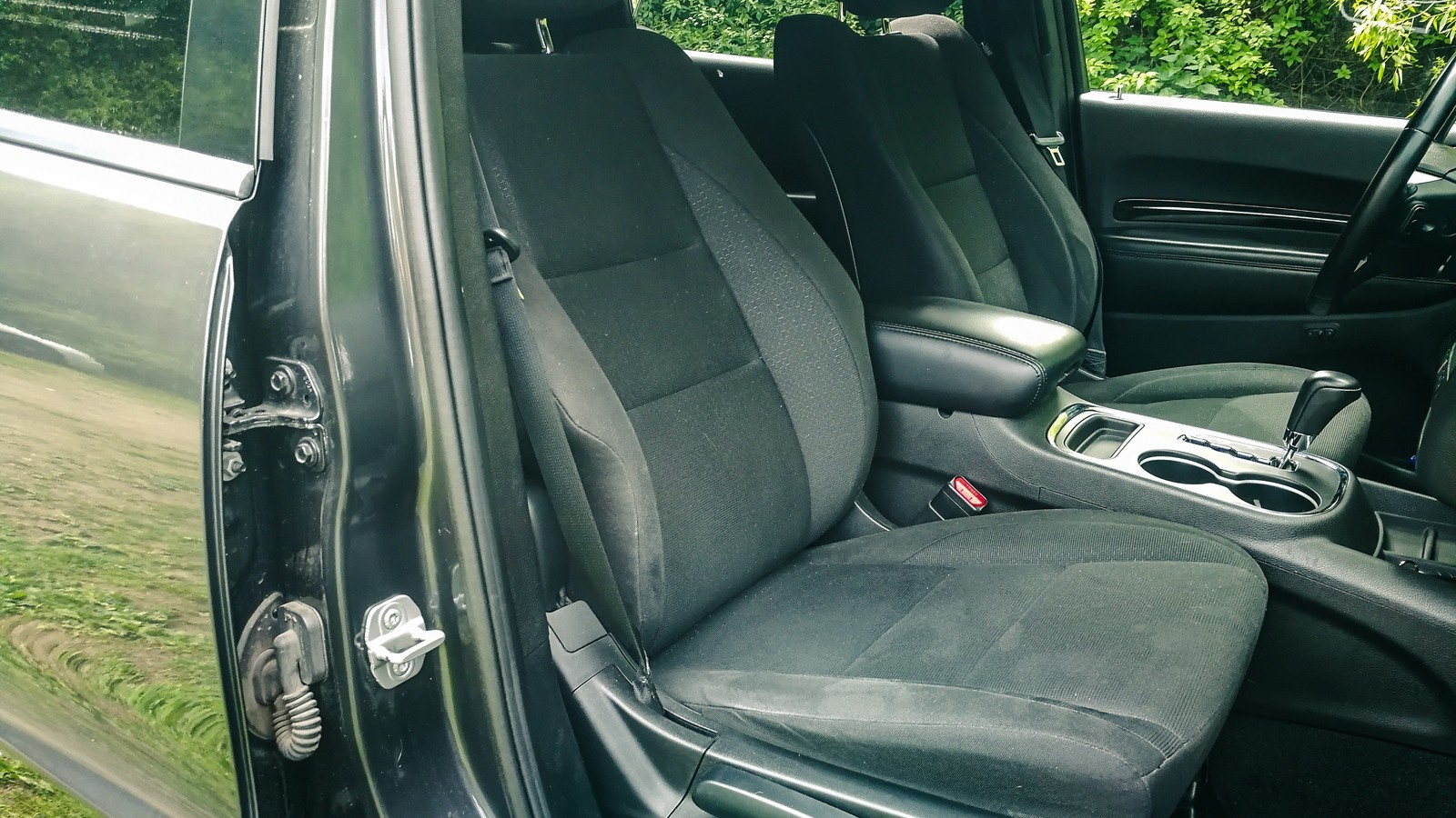 Dodge Durango III передние сидения