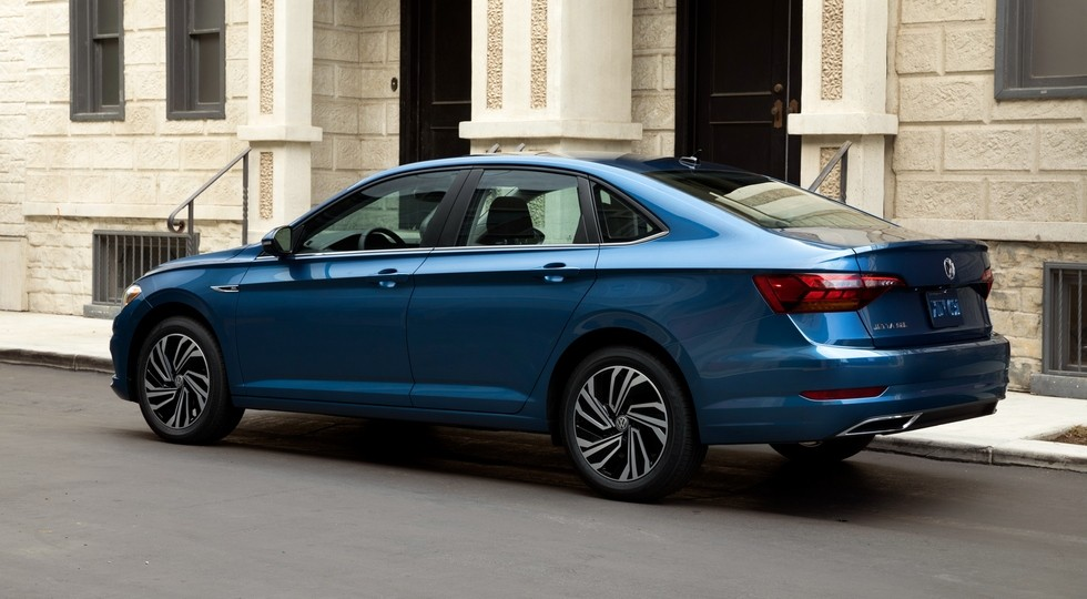 Volkswagen анонсировал новую Jetta для России. Но до старта продаж еще далеко