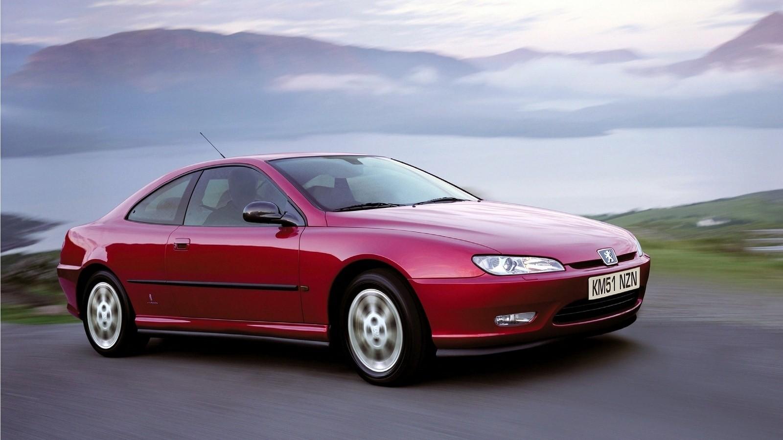 На фото: Peugeot 406 Coupé '1997–2003 дизайн Pininfarina