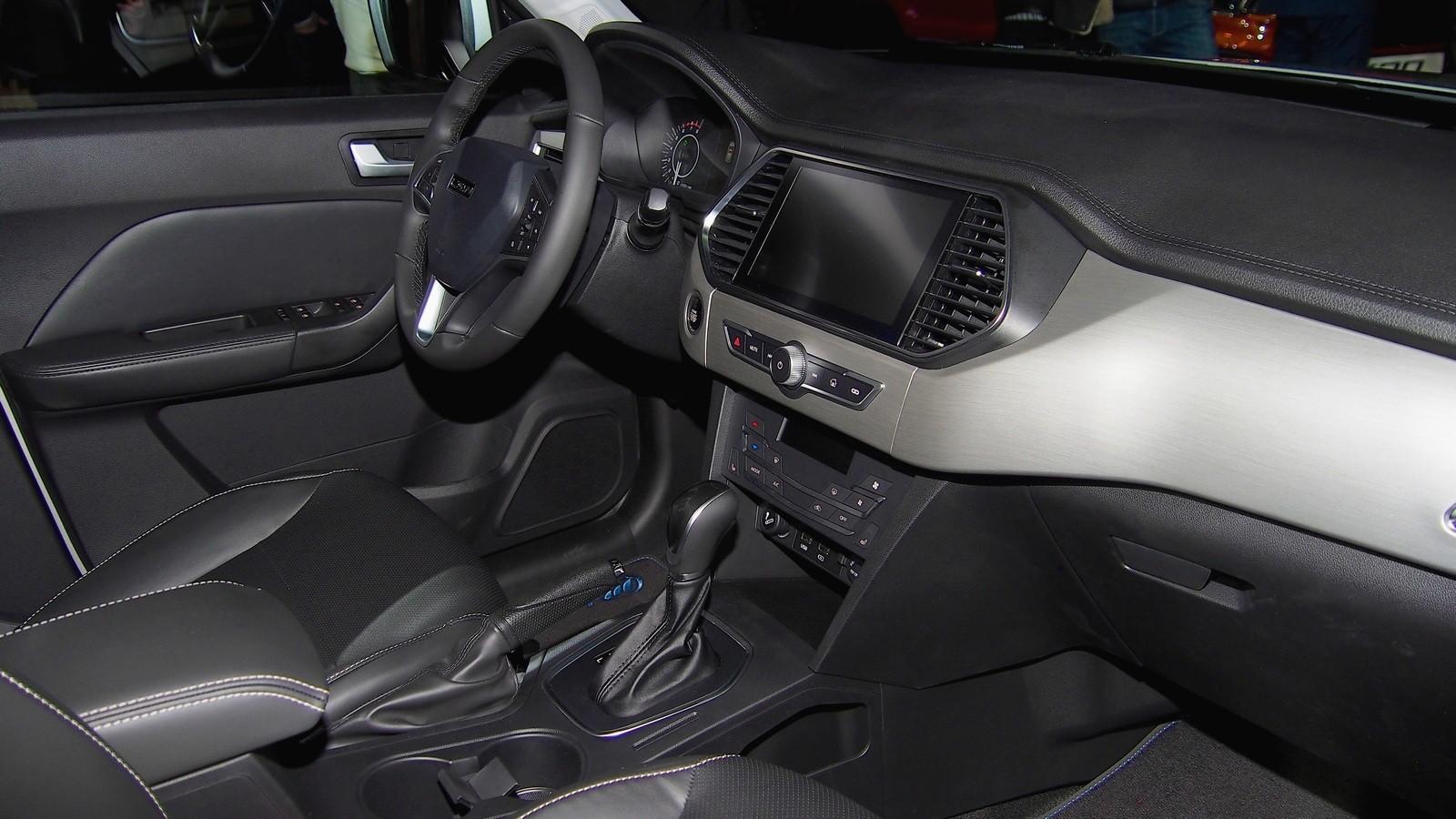Lifan X70 интерьер