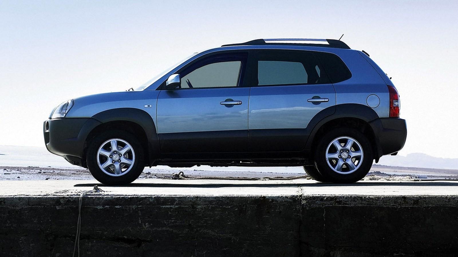 Hyundai Tucson Worldwide '2004–09 сбоку