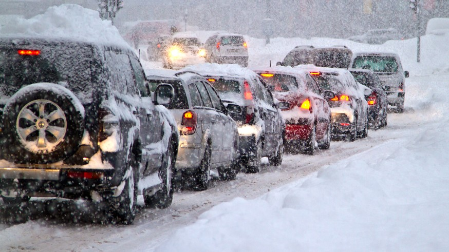 Против сугробов: в России могут появиться тёплые дороги