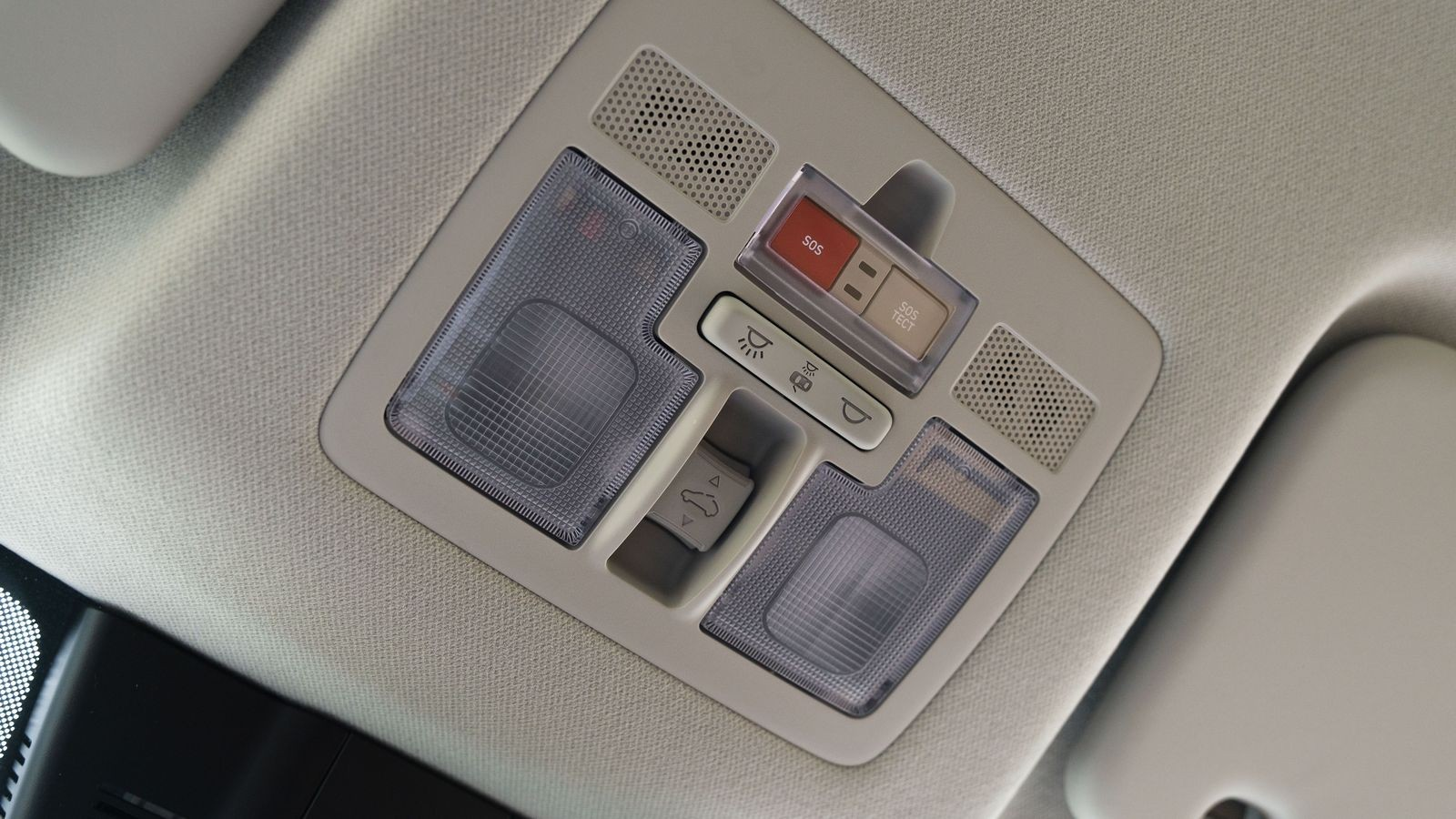 Жесткая подвеска, странный «горный ассистент» и никуда без Интернета: тест Hyundai Creta 2